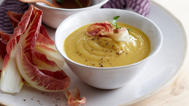 Creamy cauliflower and carrot soup
