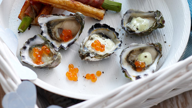Oysters with wasabi tartare