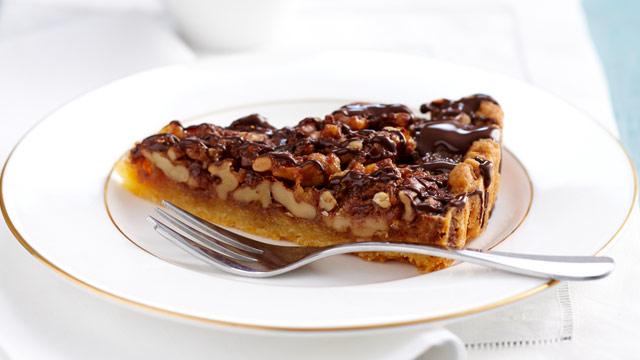 Rum and walnut tart