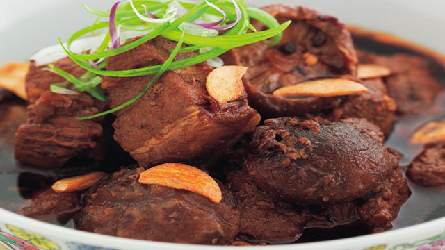 Sweet soy pork with mushrooms and star anise