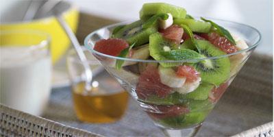 Fruit salad with honey-nutmeg dressing