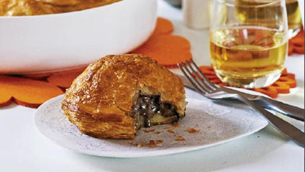 Mushroom, leek and potato pithiviers
