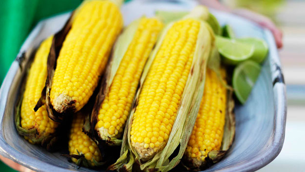 Barbecued sweetcorn with lime and white pepper