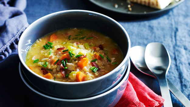 Hearty bacon, lentil and vegetable soup