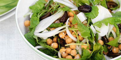 Chickpea salad with spring onions, rocket, feta & black olives
