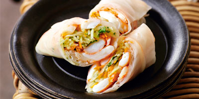 Prawn & green papaya rice paper rolls