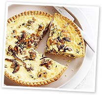 Mushroom and sour cream tart