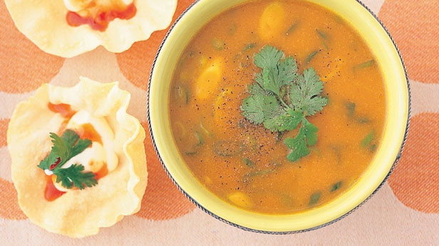 Pumpkin, curry and apple soup