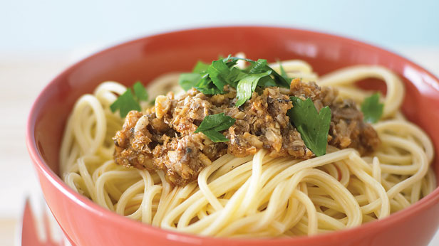 Quick canned fish pasta