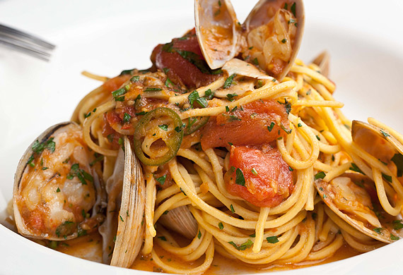 Spaghetti alle vongole with chilli, confit garlic and cherry tomatoes