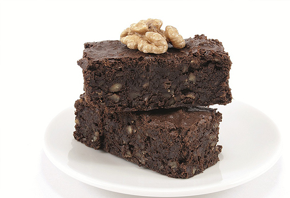 Five-minute espresso walnut brownies