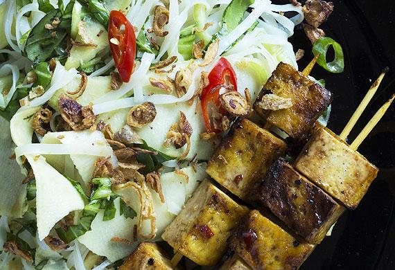 Tofu skewers with Vietnamese noodle and green papaya salad and crispy shallots