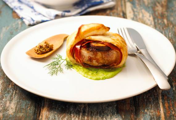 Pork and mushroom wellington