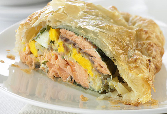Salmon, rice and egg pie
