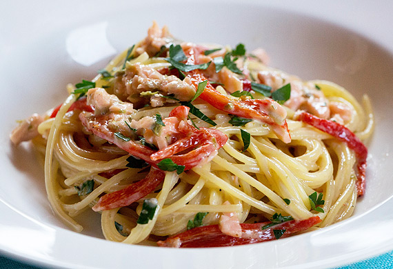 Liliana Battle's spaghetti with creamy smoked salmon