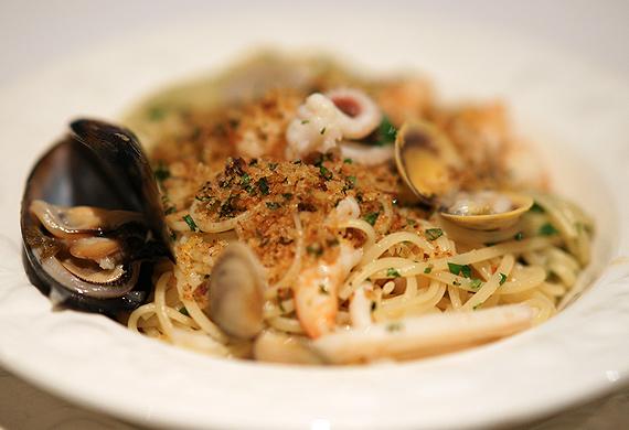 Sydney Seafood School's linguine ai frutti di mare