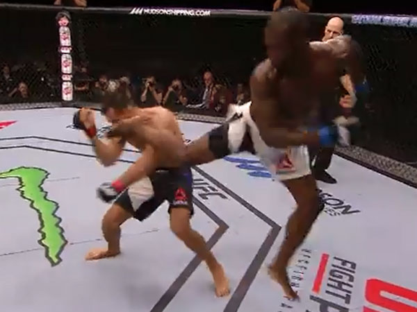 Uriah Hall kicks Gegard Mousasi. (Supplied)
