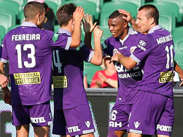 Sidnei Sciola celebrates his goal for Glory. (Getty)