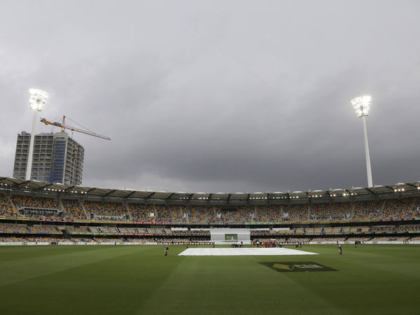 Bad weather looms over the Gabba. (AAP)