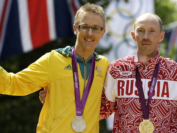 London 50km walk silver medallist Jared Tallent with Russian gold Sergey Kirdyapkin. (AAP)