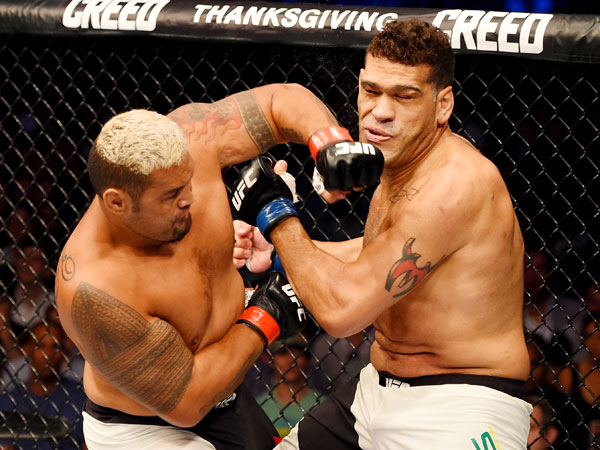 Mark Hunt (left) has defeated Antonio Silva. (Getty)