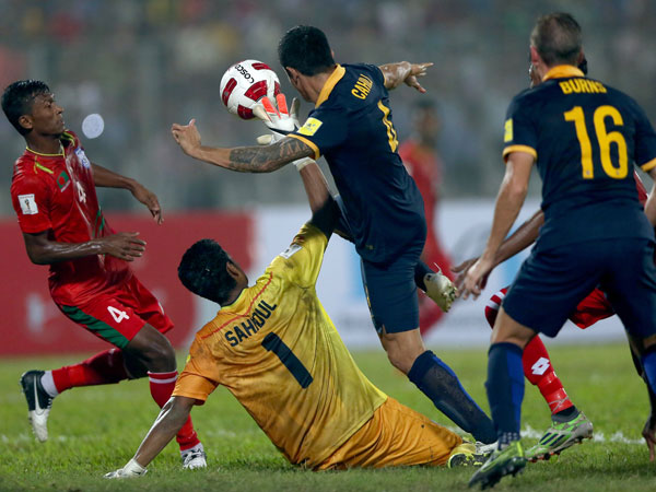 Tim Cahill in action against Bangladesh. (Getty)