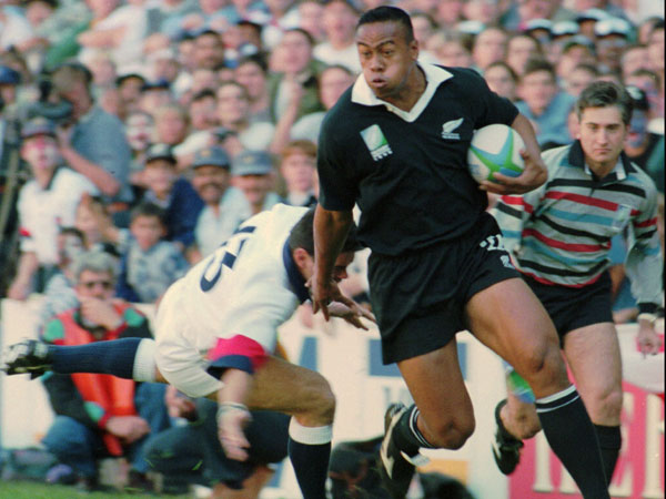 Jonah Lomu in action at the 1995 Rugby World Cup. (AAP)