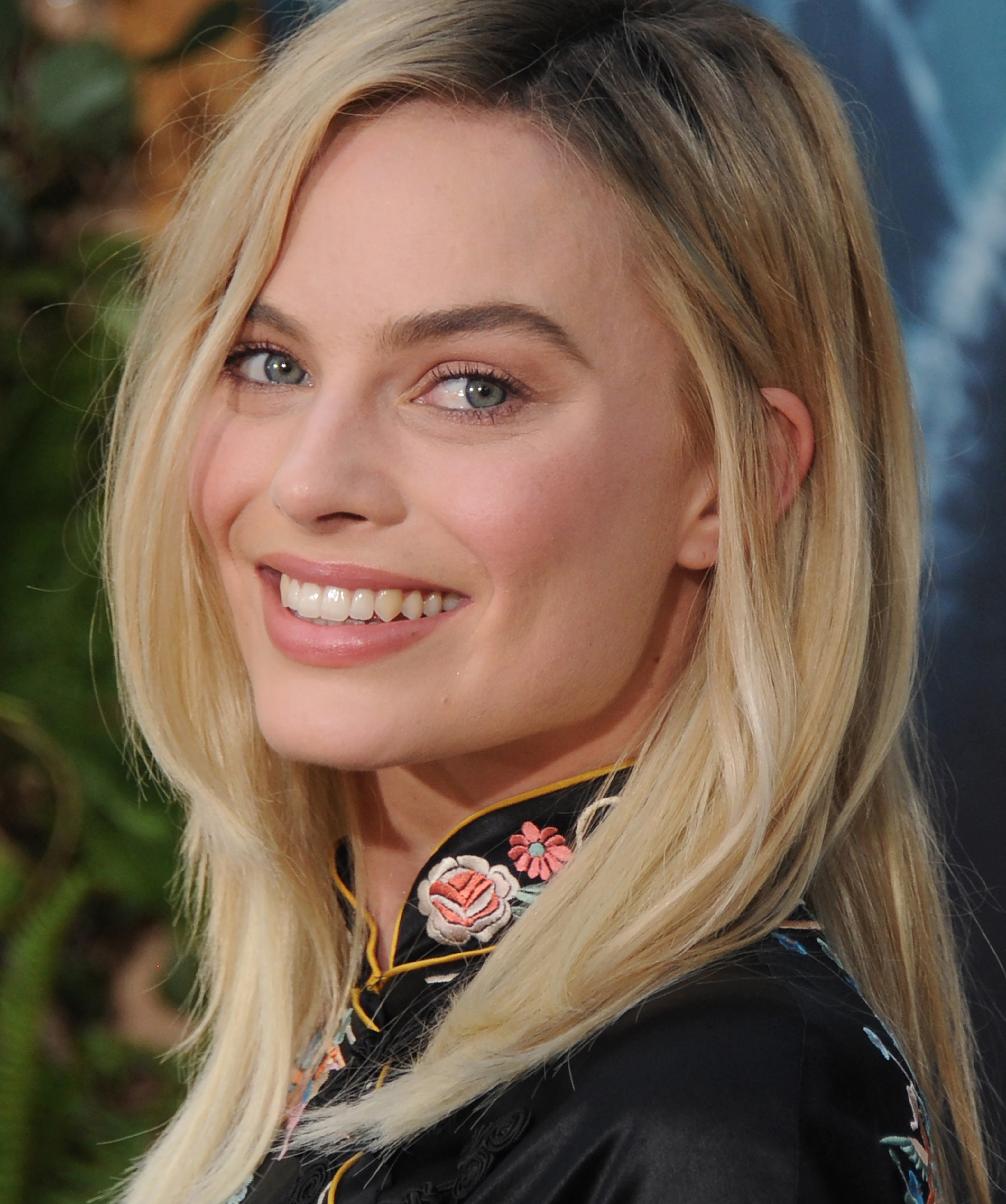 Make Margot Robbie your lazy hair muse