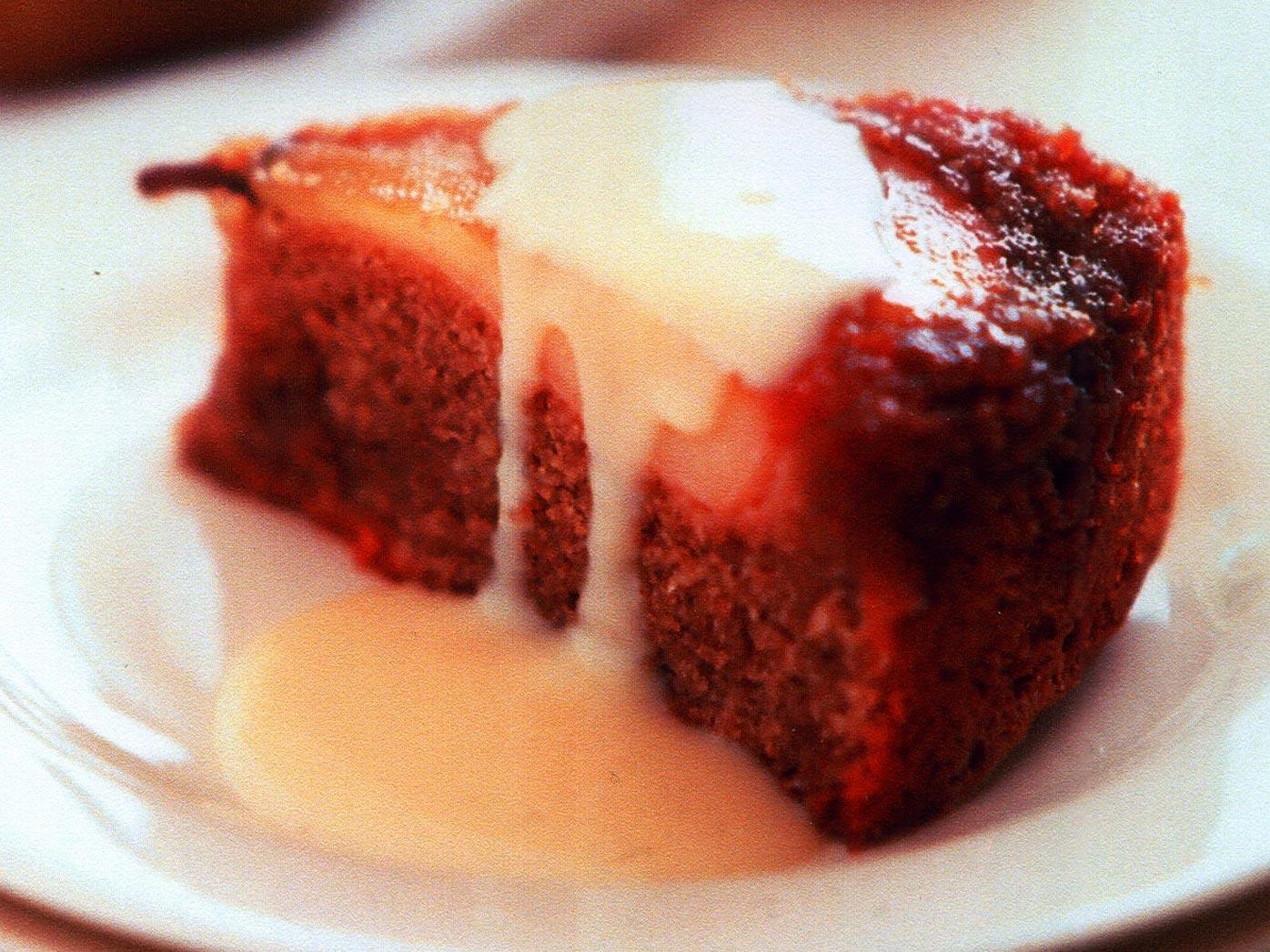 Upside-down pear pudding with vanilla custard