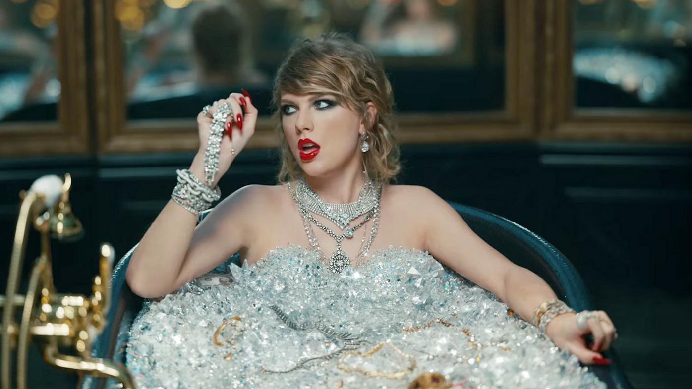 Taylor Swift S Australian Fans Freak Out Over Reputation Album Release Download Glitch 9celebrity