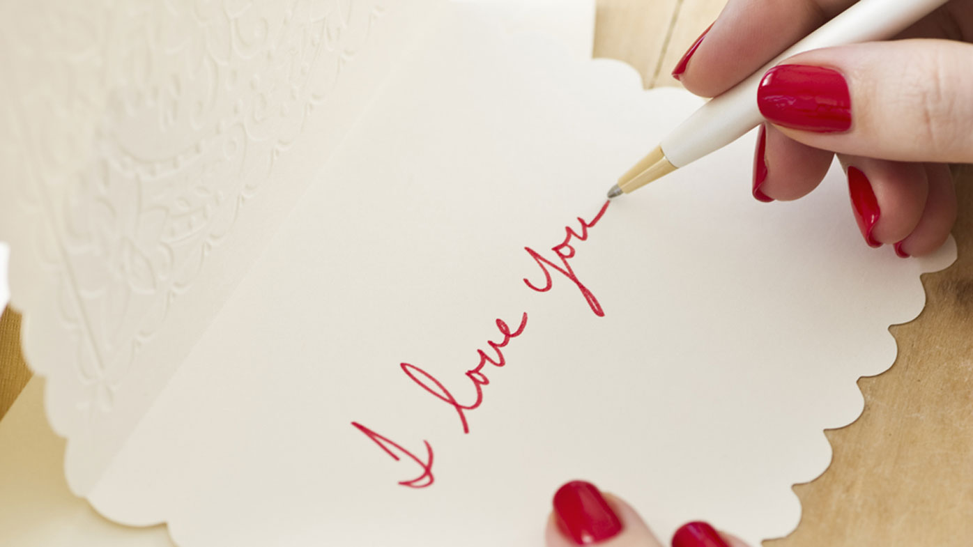 How to write a love letter expert tips 9honey expocarfo Choice Image