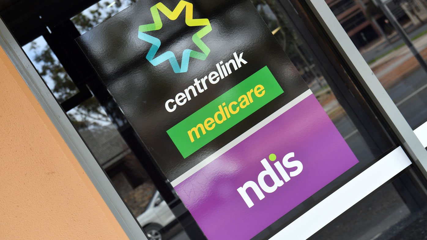 Vanishing tax returns only clue to Centrelink debt, families