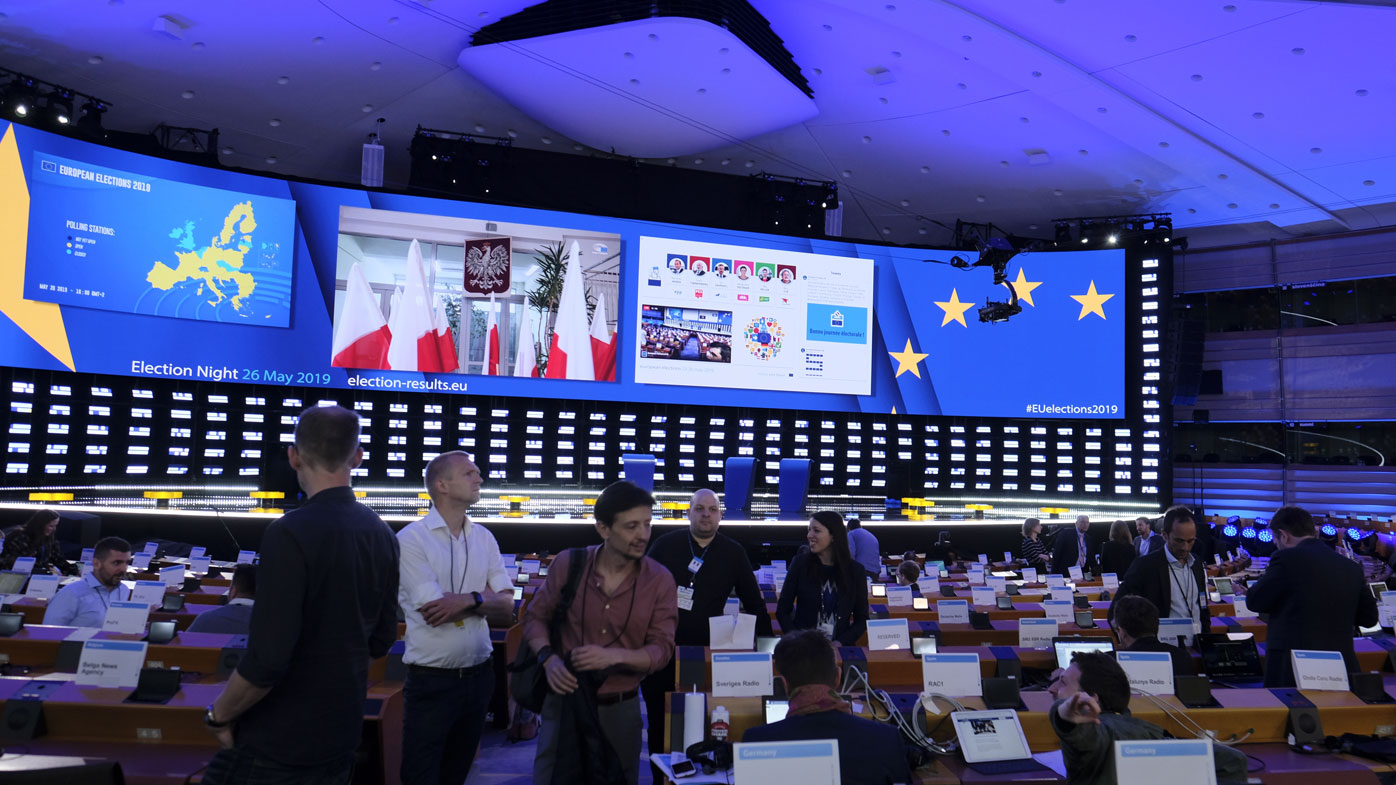 Europe's voters elect new parliament as nationalism mounts