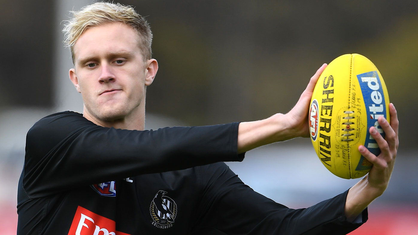 Buckley defends holidaying banned star