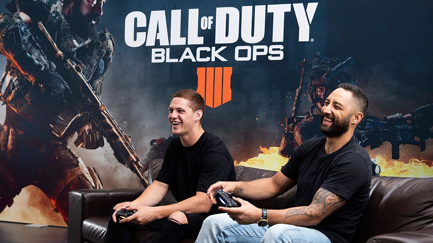 Ponga and Benji playing Call of Duty