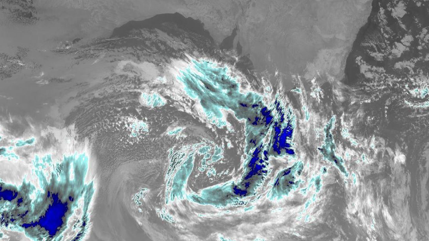 Weather Adelaide, Melbourne: Wild winds, hail, flooding & showers