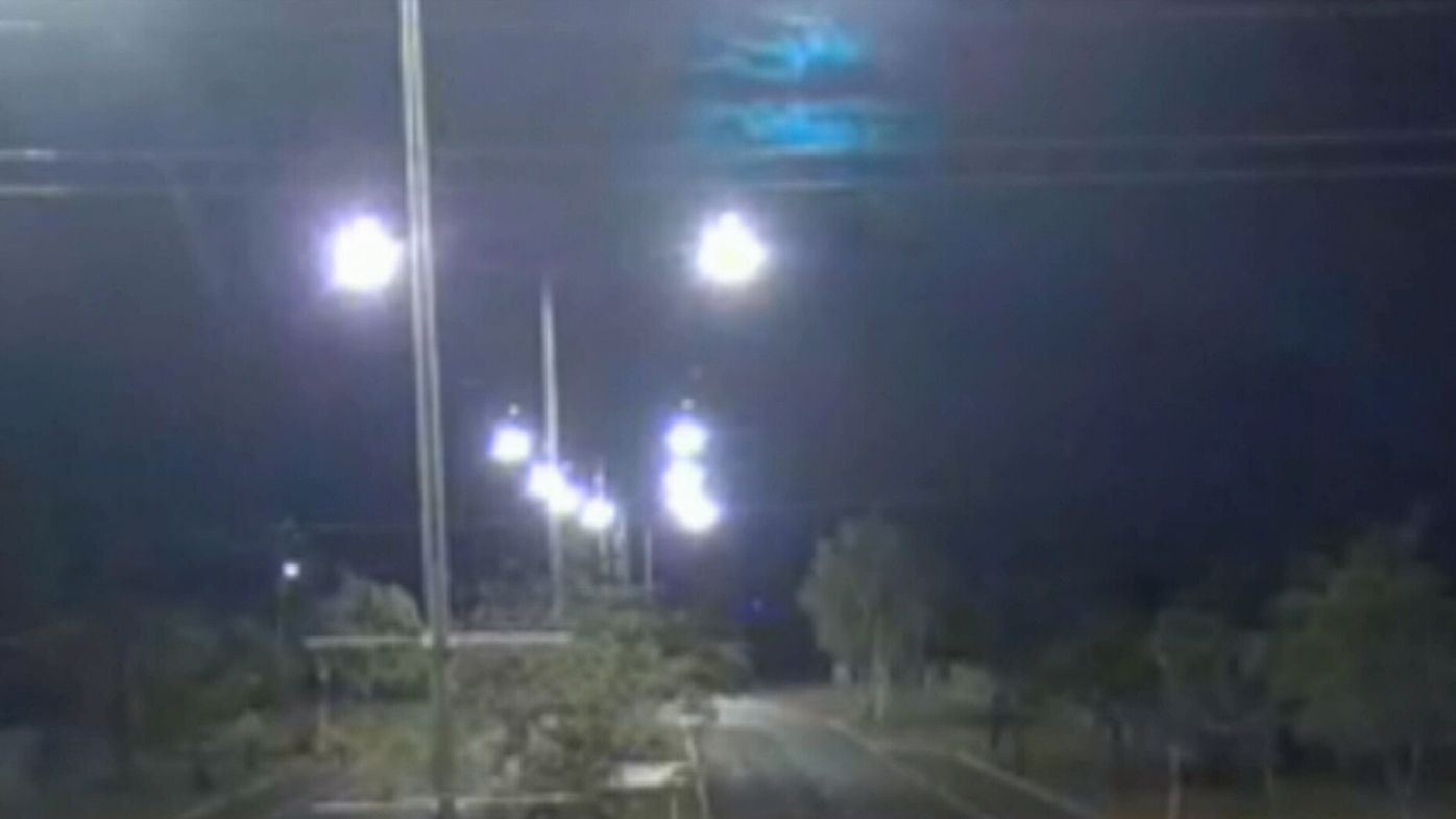 Bright flash lights up night sky in the outback – Radio Jukebox