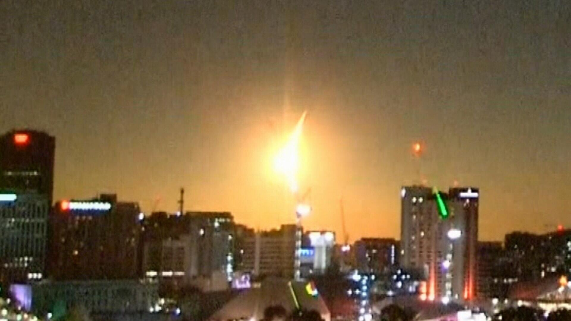 Spectacular meteor light show