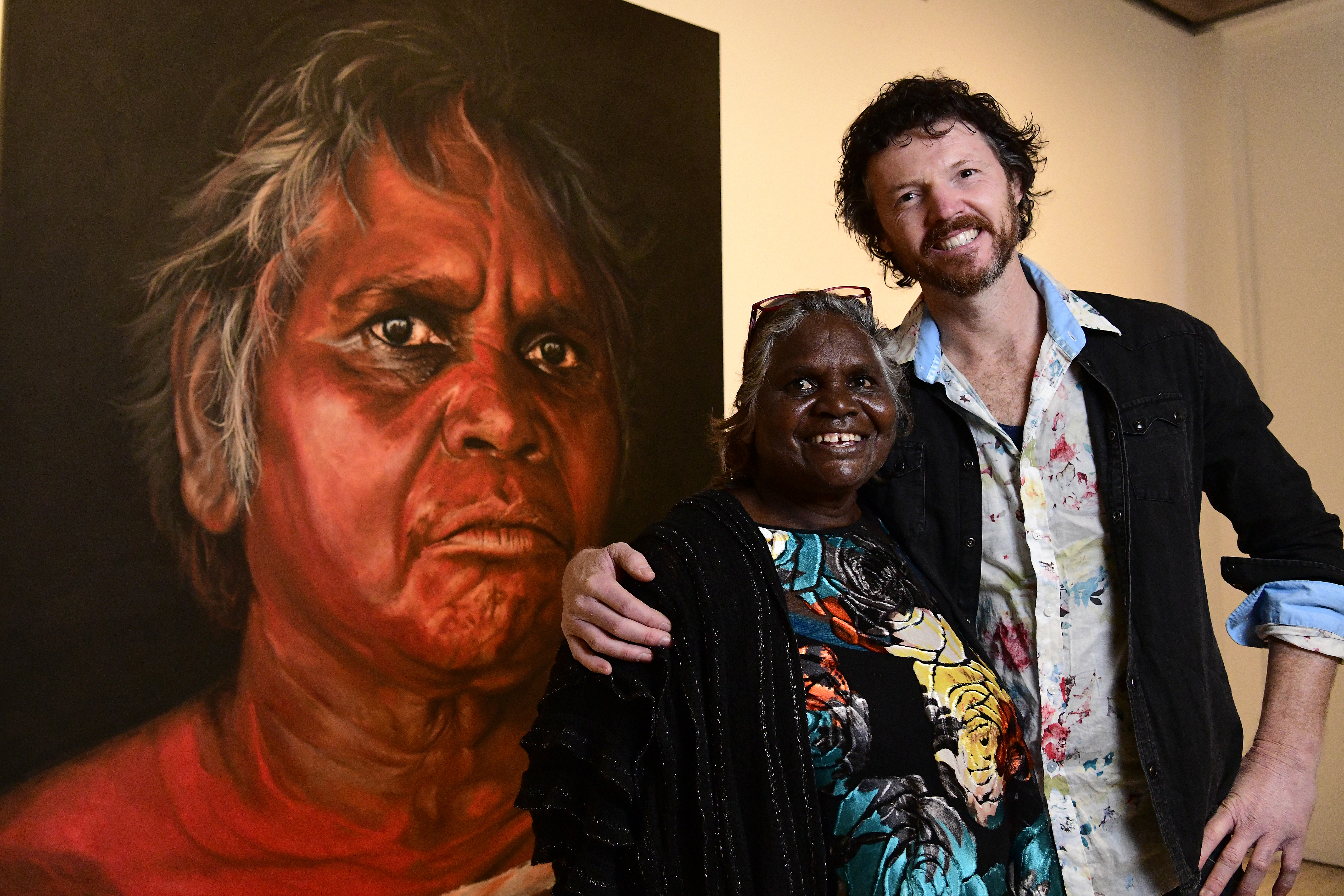 Chance encounter resulted in this year's Archibald Prize People's Choice Award winner