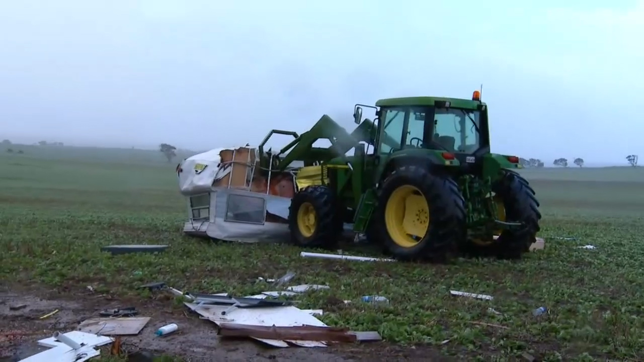 Trees toppled, roofs ripped off in wild SA storms