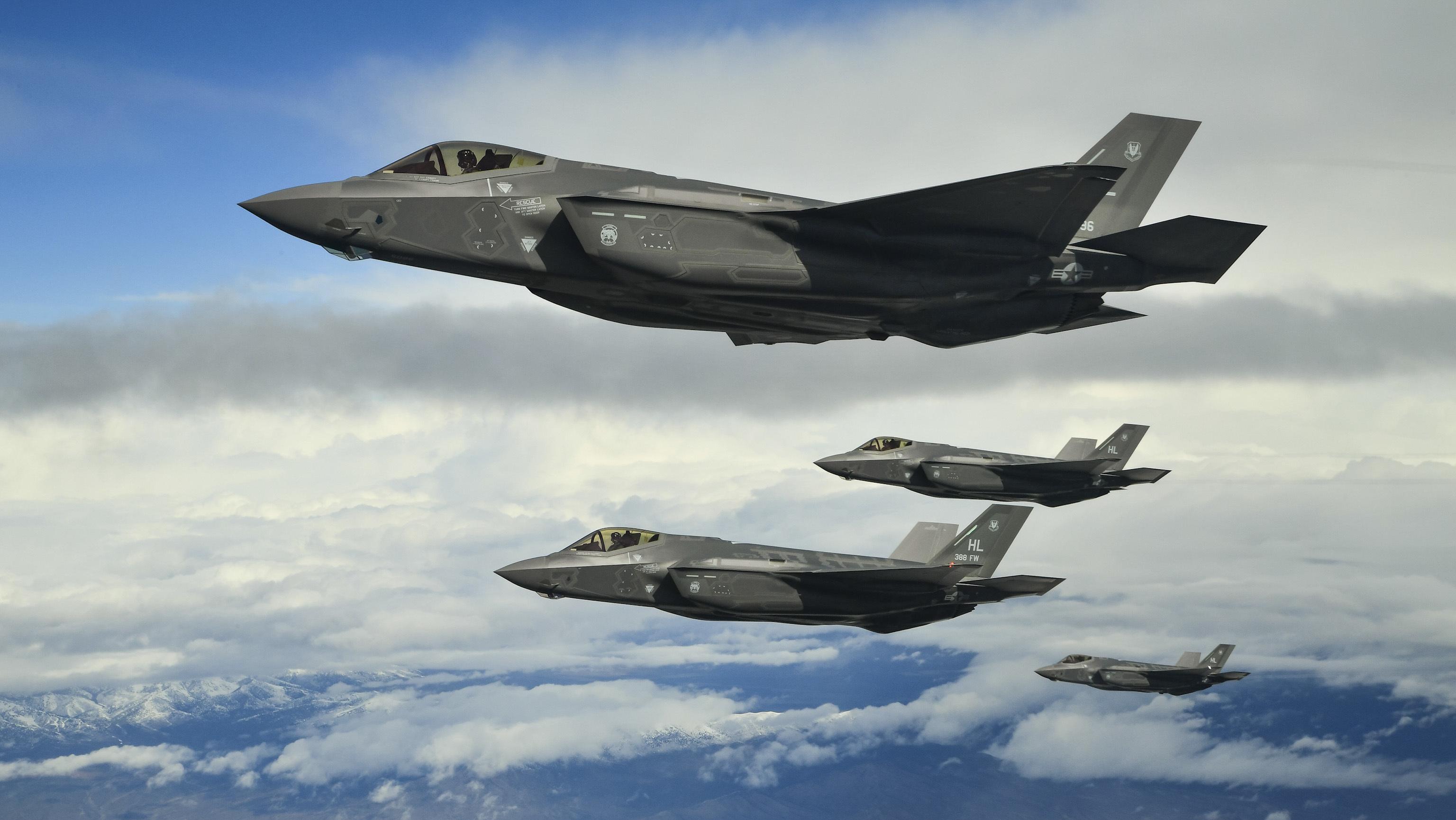 Multi-billion F-35 warplane 'almost unflyable'