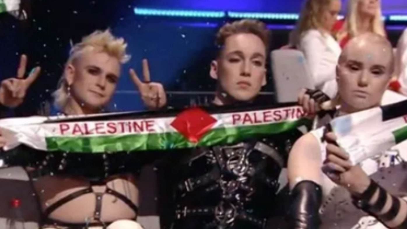 Eurovision singers hold up Palestinian flag