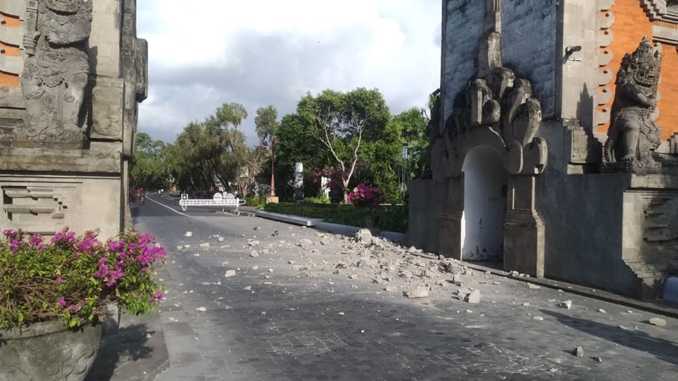 Bali rocked by earthquake, hotels evacuated