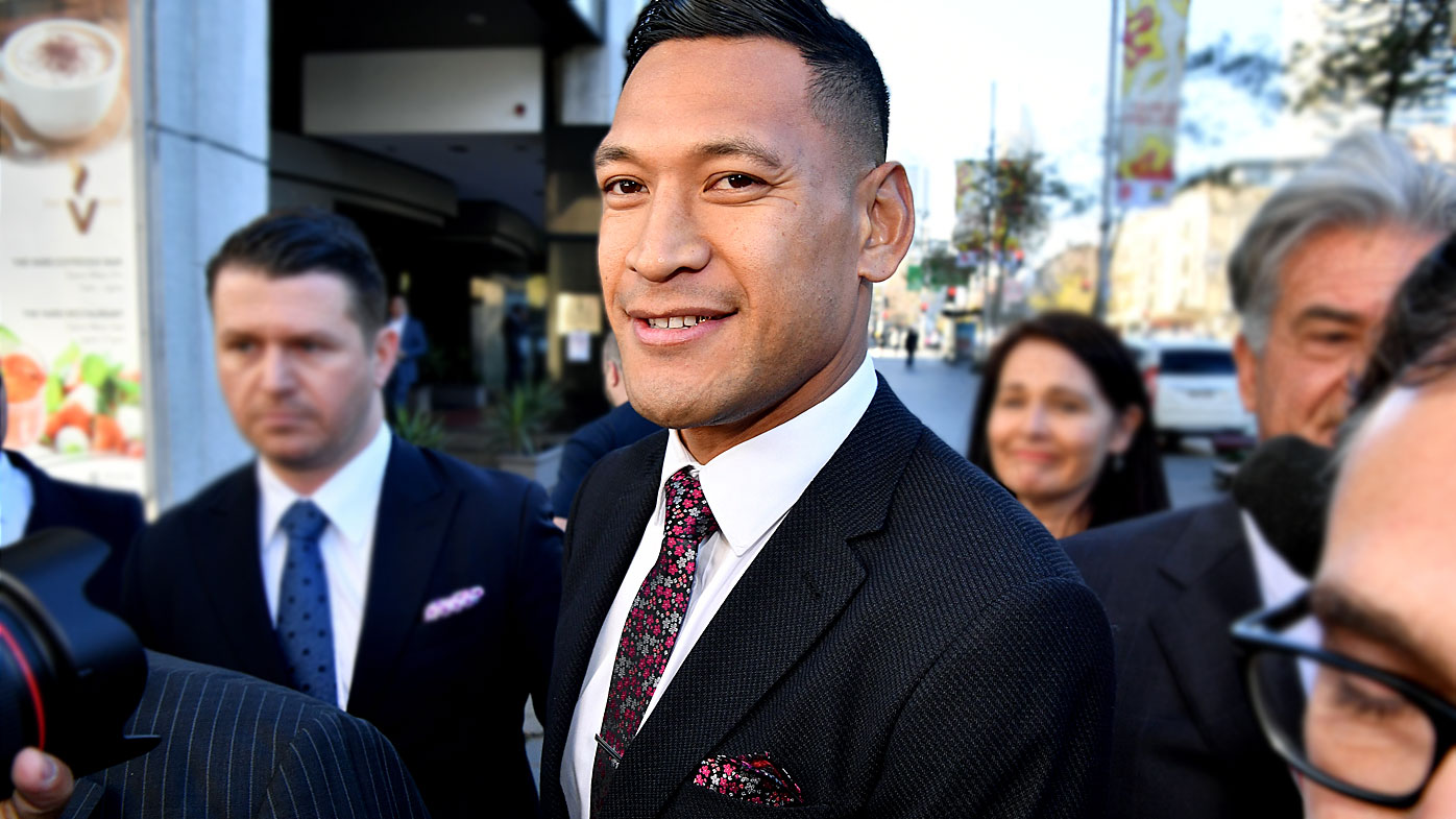 Israel Folau unexpectedly defends gay rights activist to 'express her views'