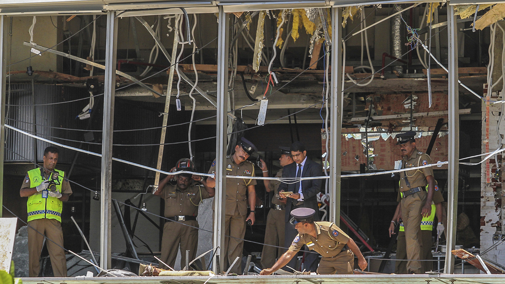 'Panic mode': Witness describes aftermath of Sri Lanka bombs