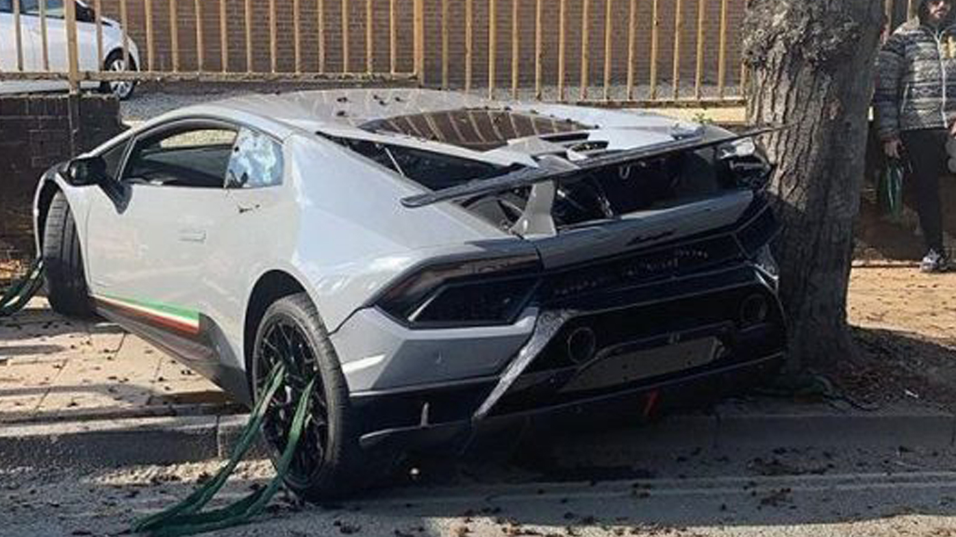 $400,000 Lamborghini written-off after ploughing into wall