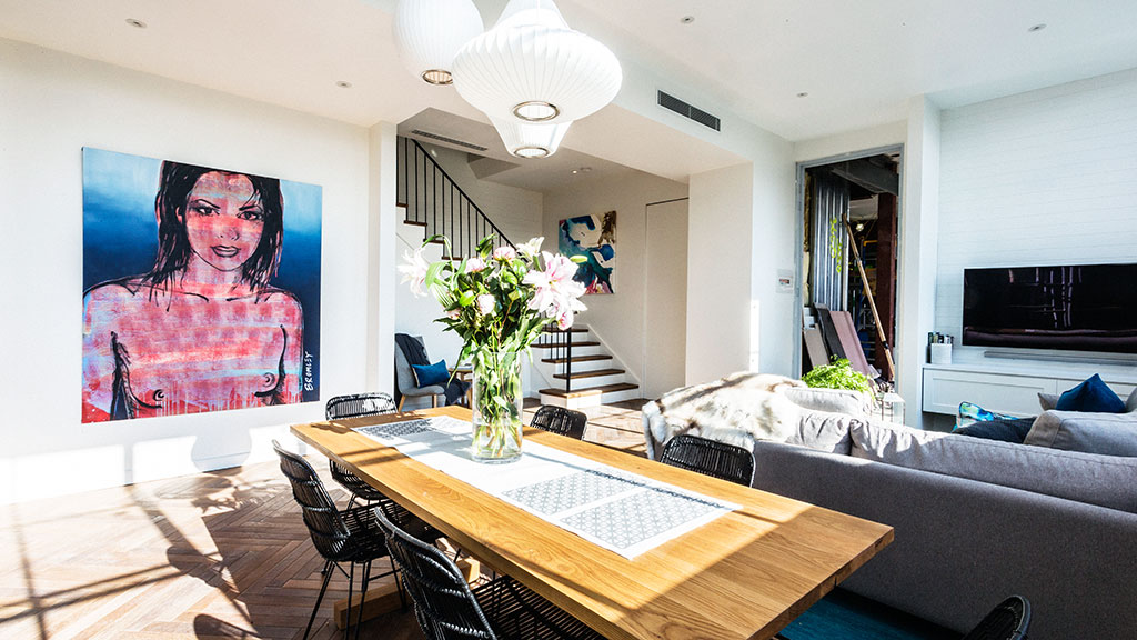 "Initially the judges said Darren and Dee's living and dining space was ""pretty"" and ""beautiful""."