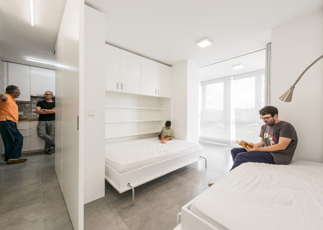 movable walls transform huge space into bedrooms on a whim
