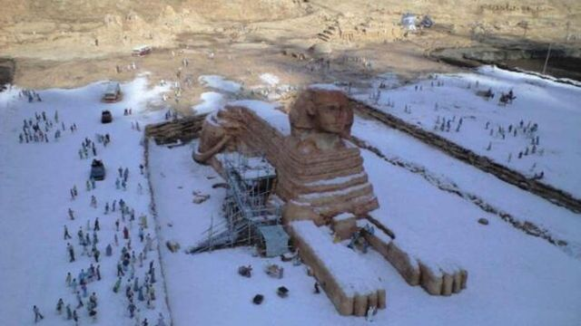 Egypt's iconic Sphinx covered in snow. (Imgur)