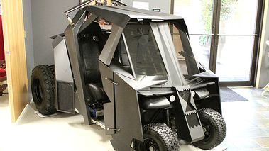 This Batman Tumbler golf cart sold for almost $20,000 on eBay (photo: eBay)
